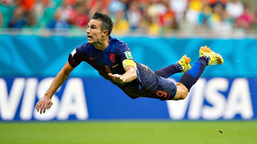 robin_van_persie_netherlands_fifa_world_cup_2014_goal_header