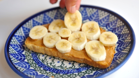 Make-Peanut-Butter-Banana-Toast-Step-4
